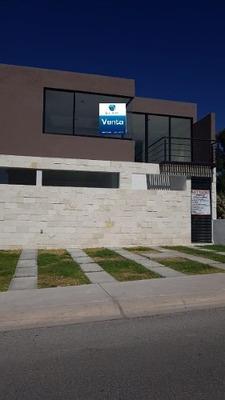 Casa En Venta Nueva En Lomas De Juriquilla