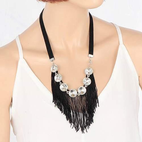 Collar Negro Tassel
