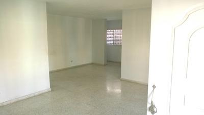 Alquilo Casa Sola En Buen Estado Bien Segura, 3habs