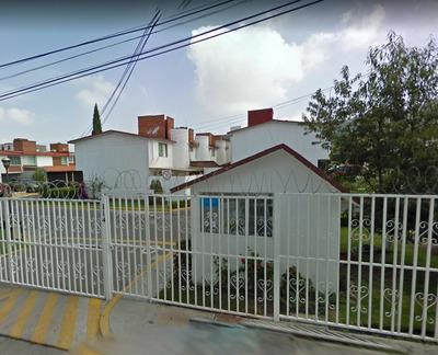 Hermosa Y Ubicadisima Casa En Condominio En Toluca