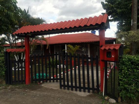 Vendo O Permuto Casa Quinta Acacias