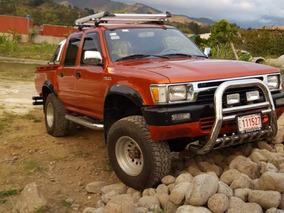 Toyota Hilux Doble Cabina 4x4 2.8cc