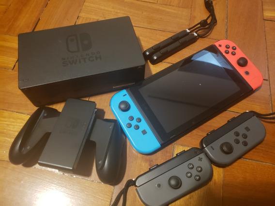 Nintendo Switch Neon - 4 Controles + 7 Jogos Físicos