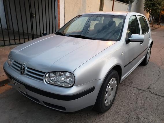 Volkswagen Golf 1.6 Modelo 2004