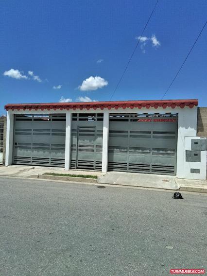 Casas En Venta En Urb. El Bosque Cagua 04243043133