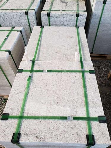 Imagem 1 de 5 de Pisos De Granito- Branco Itaunas