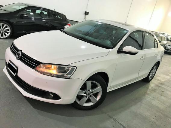 Volkswagen Vento Luxury Mt 2.5 2014 Impecable - Smart Garage