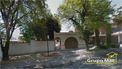 Casa En Venta En Loma Suave, Ciudad Satélite, Naucalpan De Juárez