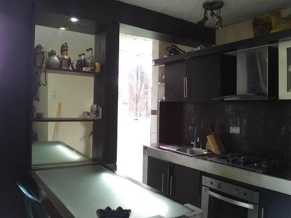 Apartamento En Venta En Patarata 20-21565 Rg