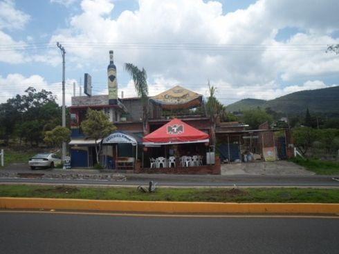 Locales Comerciales, Salón De Fiestas Y Departamentos En $6,
