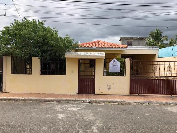 Se Vende Casa De Oportunidad En La Autopista De San Isidro