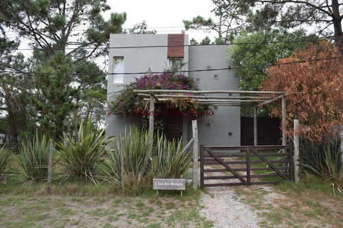 Venta  Casa En Manantiales De 3 Dormitorios - Ref: 15435