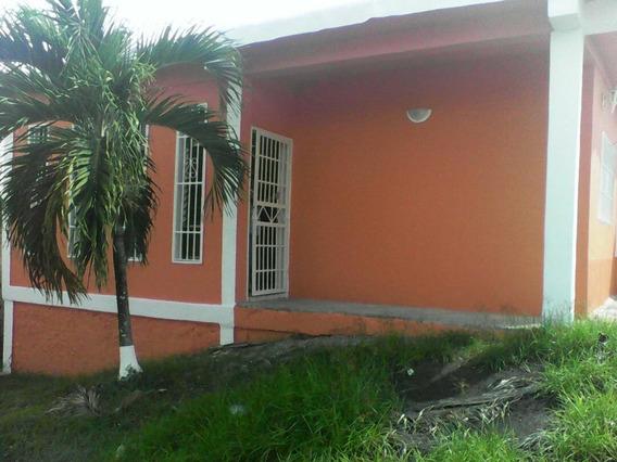 Casas En Venta Charallave En Urb Marïa De San Josécb 17-7670
