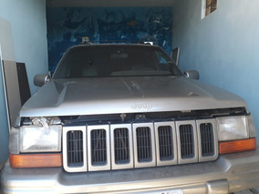 Jeep Grand Cherokee 4.0 Laredo 5p