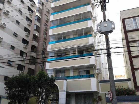 Apartamento No Bairro Centro Em Florianópolis - Lace172