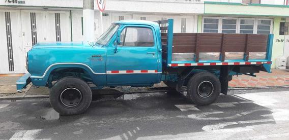Dodge D 100 Estacas