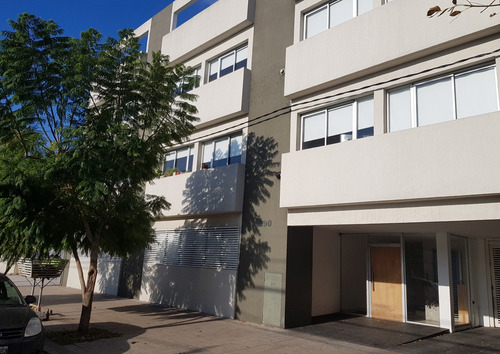 Venta - 1 Dormitorio En 35 Y 20