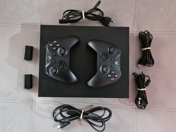 Xbox One X 1tb Com Controles E Baterias Originais