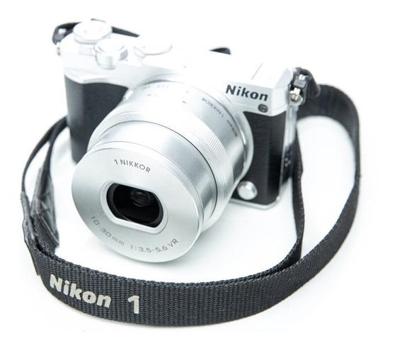 Nikon 1 J5 Com Lente 10-30 2mil Clicks