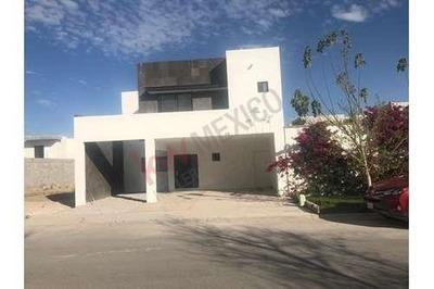 Casa 2 Plantas, Villas Del Renacimiento, Torreón, Coah.