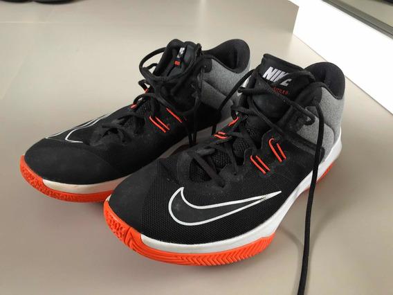 Tênis Nike Air Versitile