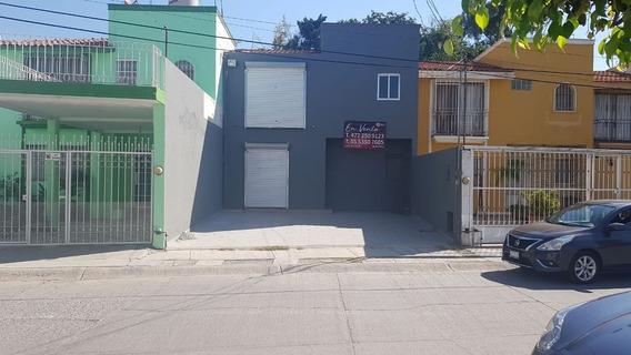 Local Comercial En Jardínes De La Providencia
