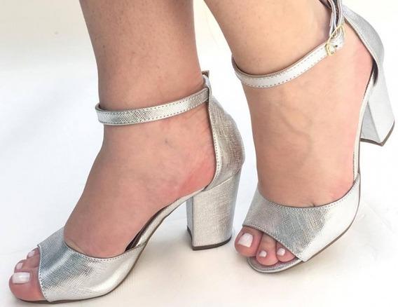 Sandália Prata Metalizada Salto Grosso Médio Alto