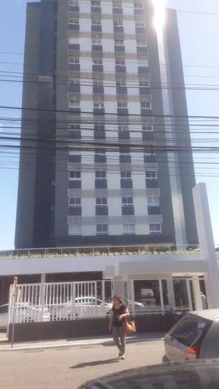 Sala Comercial No Ed. Centro Médico Odontologico, Bairro: São José - Cp5995