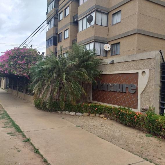Apartamento En Conjunto Privado Mls #19-12264