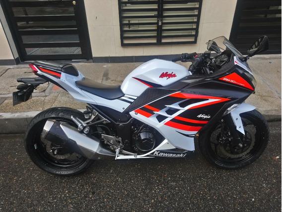 Moto Kawasaki Ninja 300 Modelo 2015