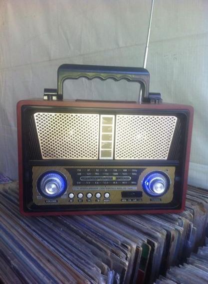 Rádio Retrô Am / Fm Livistar Usb Bluetooth Bateria Mp3