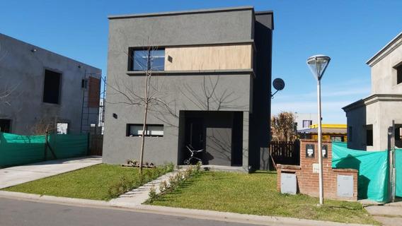 Casa En Alquiler En El Barrio Cerrado El Aljibe