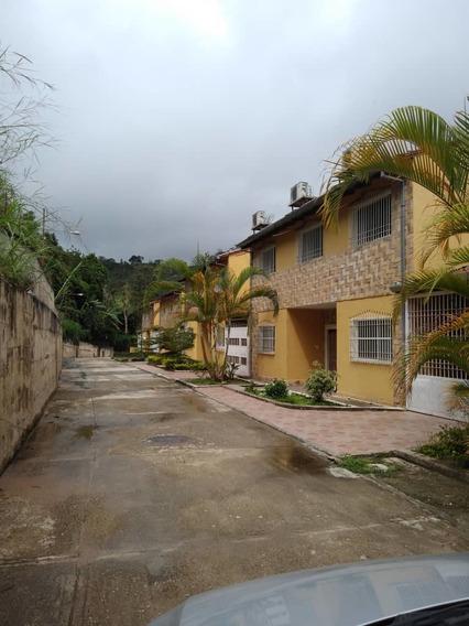 Los Teques Casa + Anexo, Urb Bosque Alto.