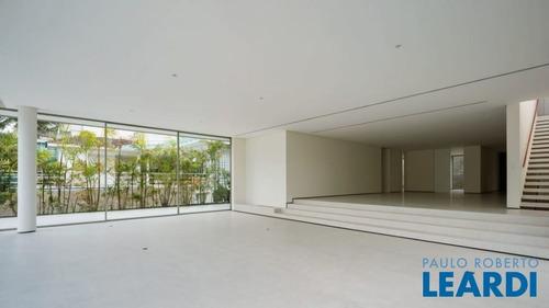 Casa Em Condomínio - Tamboré - Sp - 494183