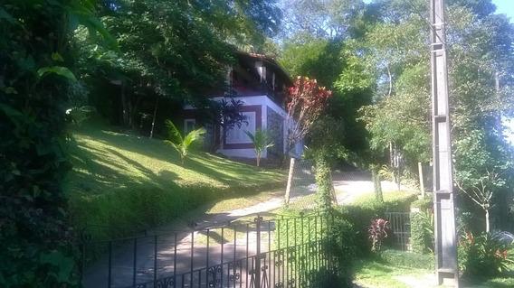 Excelente Casa De 2 Andares Em Paraíso Verde!