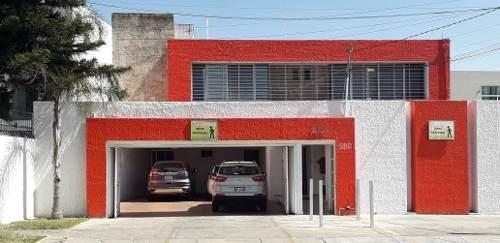 Oficina, Consultorio En Renta En Los Pinos, Zapopan