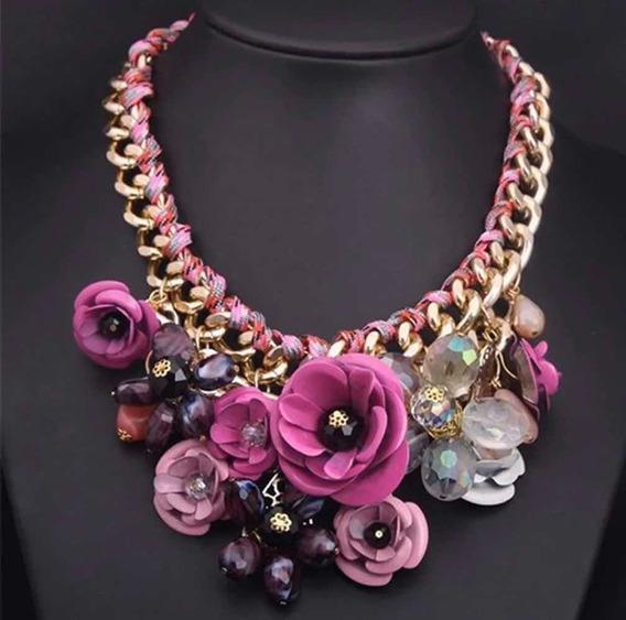Collar Con Flores Color Rosa Fantasía