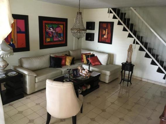 Casa En Venta Urb Sucre Barquisimeto 20-13378 Yb