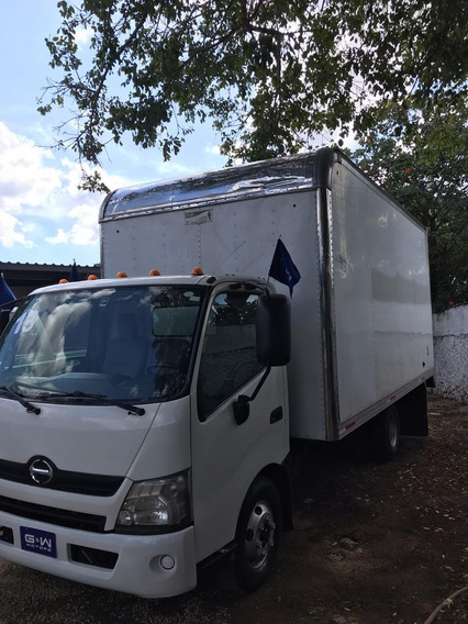 Hino 300/716 2013 Caja Seca, Tomo Autos, Crédito Disponible.