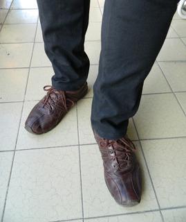 Zapatillas De Cuero Estilo Zapato Storkman Talle 43