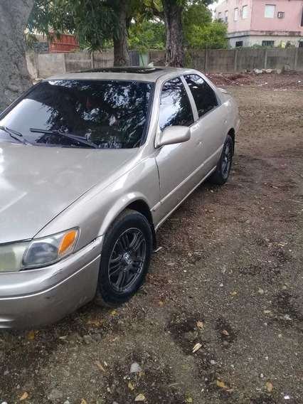 Toyota Camry Let