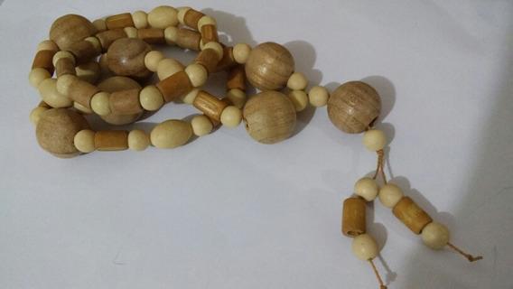 Colar Madalena Comprido De Madeira Bege Claro Nude