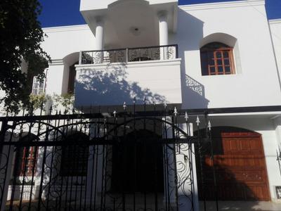 Arrienda Casa Amplia En La Castellana, 467m2