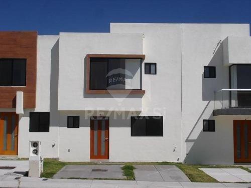 Casa Renta Zibata El Canto