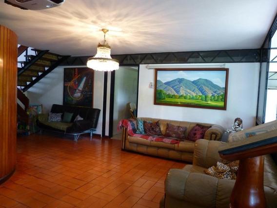 Casa En Venta Prados Del Este Mls #19-702 Magaly Perez