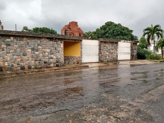 Casa En Venta Lomas Del Este Pt-j 21-6127