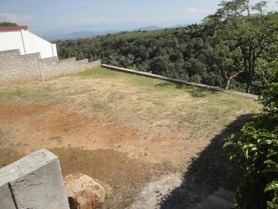 Terreno Urbano En Colonia Lomas De Tetela / Cuernavaca - Cbr-326-tu