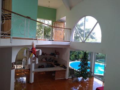 Se Vende Bonita Casa Con Dos Albercas Y Centrica