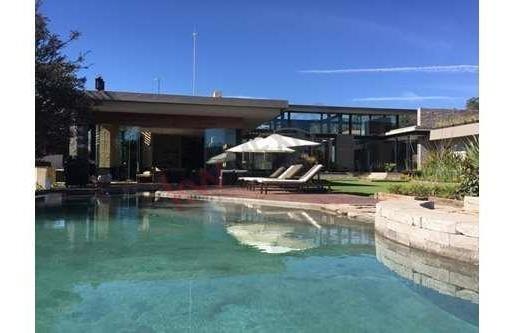 Hermoso Rancho El Cual Cuenta Con Un Lago, Alberca Y Jacuzzi, Al Lado Del Club De Gol, Rodeada Del Bosque.