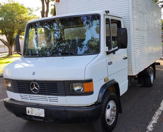 Mercedes-benz Mb 709 / 1990 / Báu